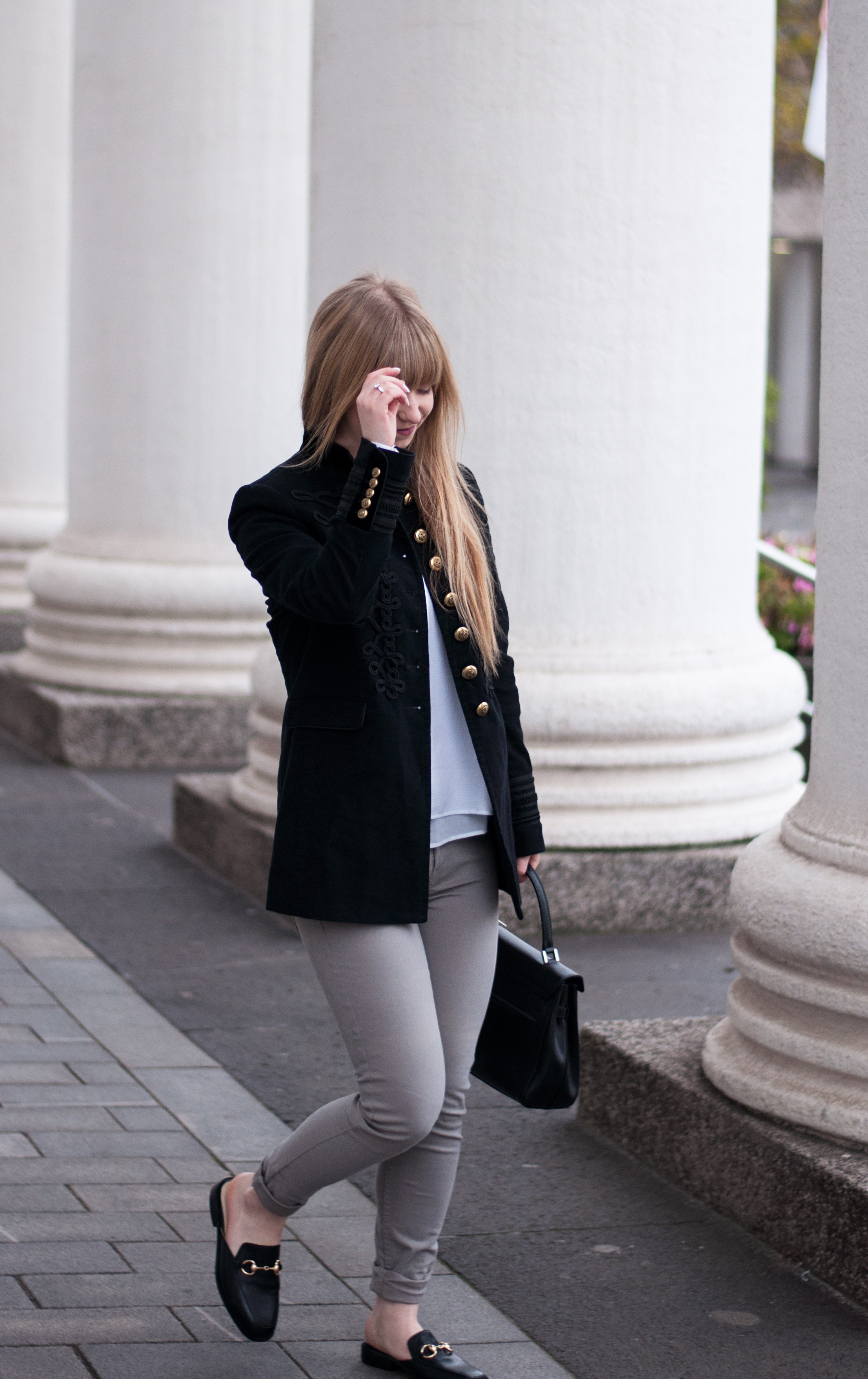 outfit-modeblogger-mules-gucci-style-zaful-black-military-coat-zara-mantel-skinny-jeans-winter-look-duisburg-laraira-2