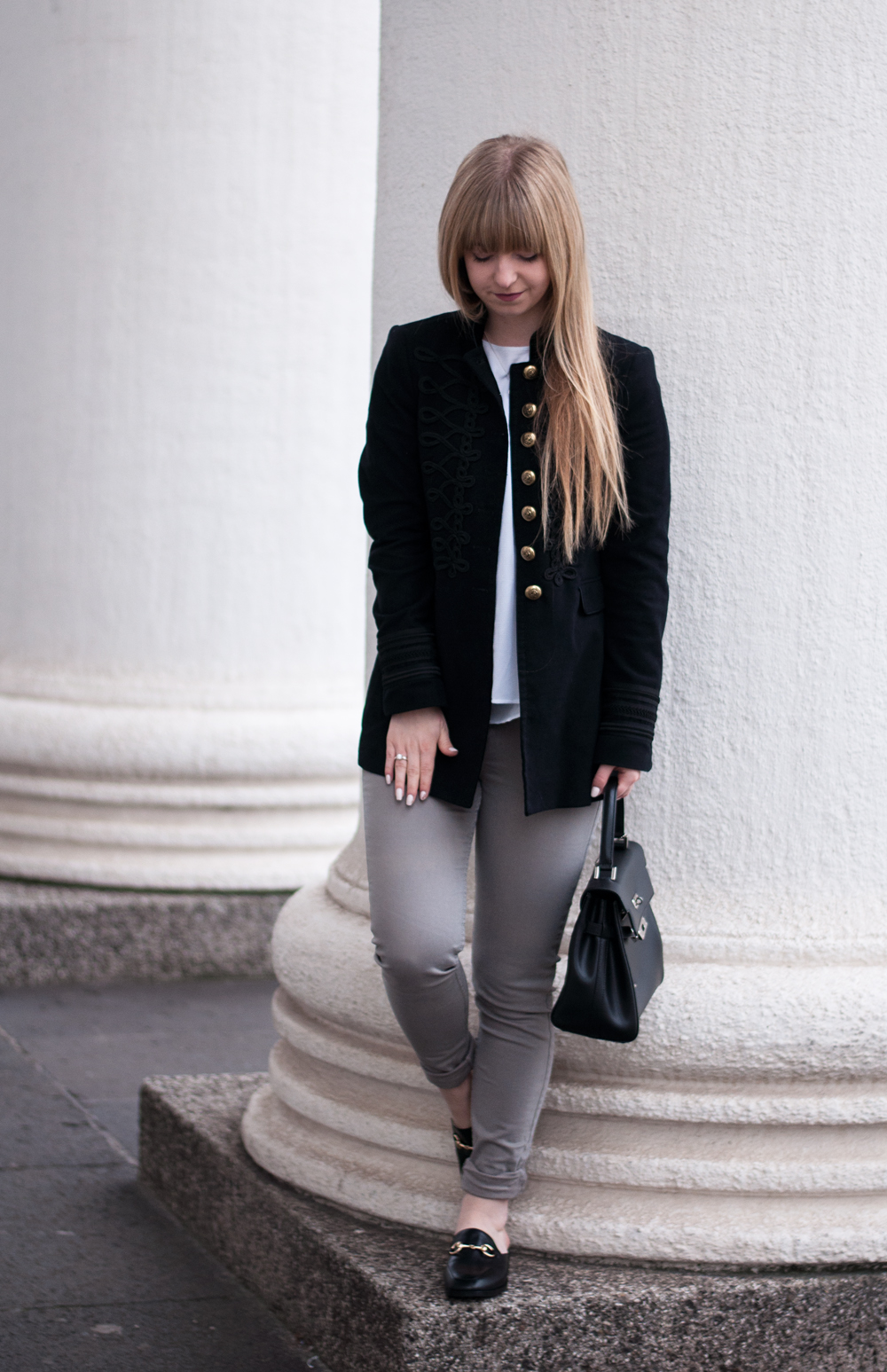 outfit-modeblogger-mules-gucci-style-zaful-black-military-coat-zara-mantel-skinny-jeans-winter-look-duisburg-laraira-5