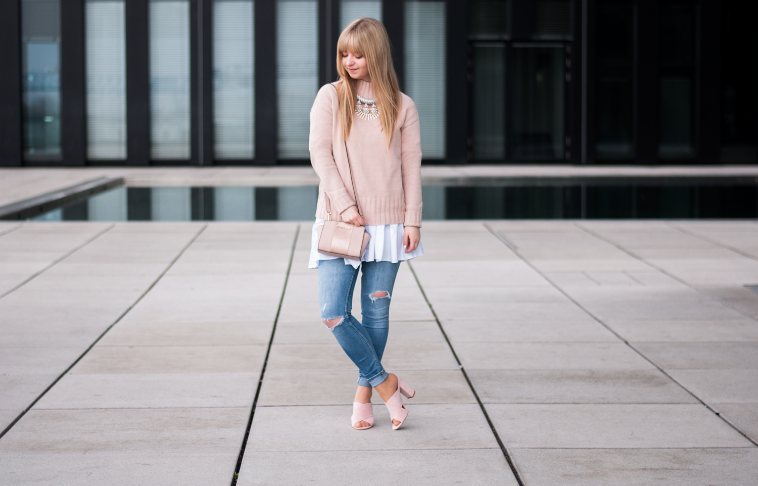 HOW TO WEAR: TURTLENECK SWEATER FOR SPRING