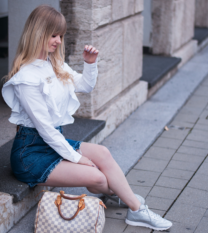 AUTUMN OUTFIT: DENIM SKIRT
