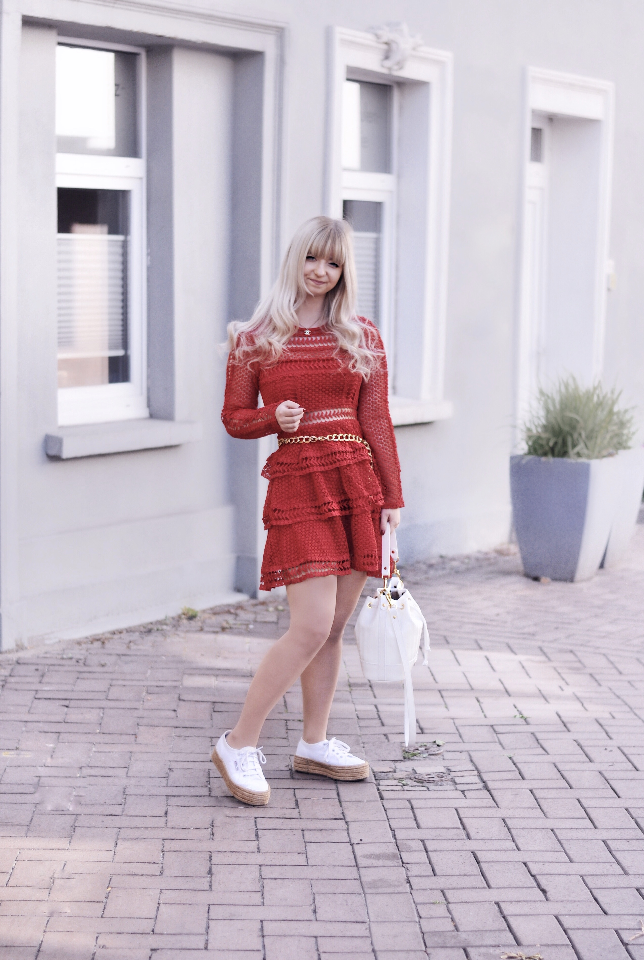 HOW TO WEAR: LACE SUMMER DRESSES